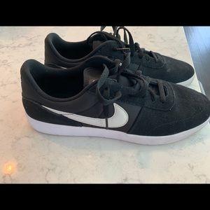 Nike SB team skate shoe size 10.5